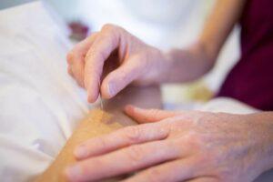 La relation humaine est au cœur des préoccupations de l'acupuncture.