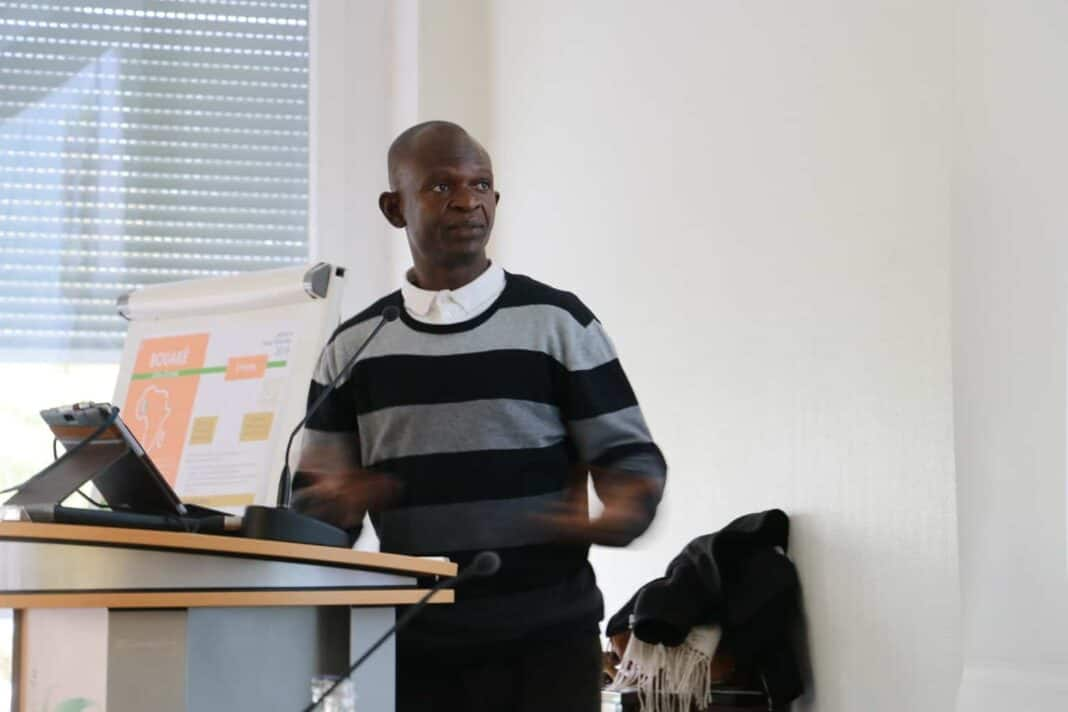 Père Ollo en Côte d'Ivoire