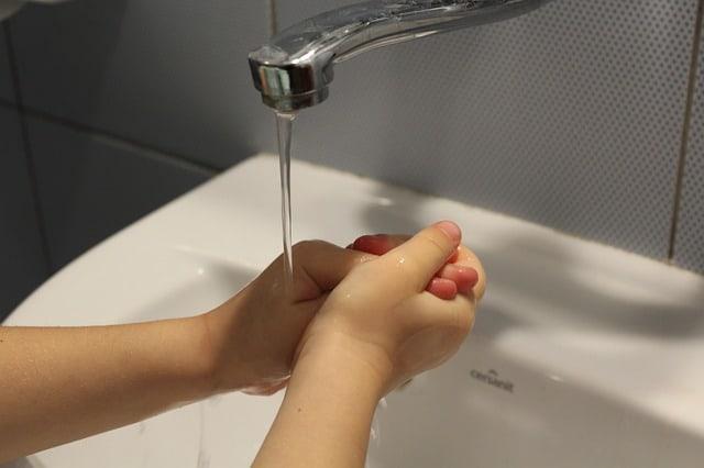 lavage mains enfants