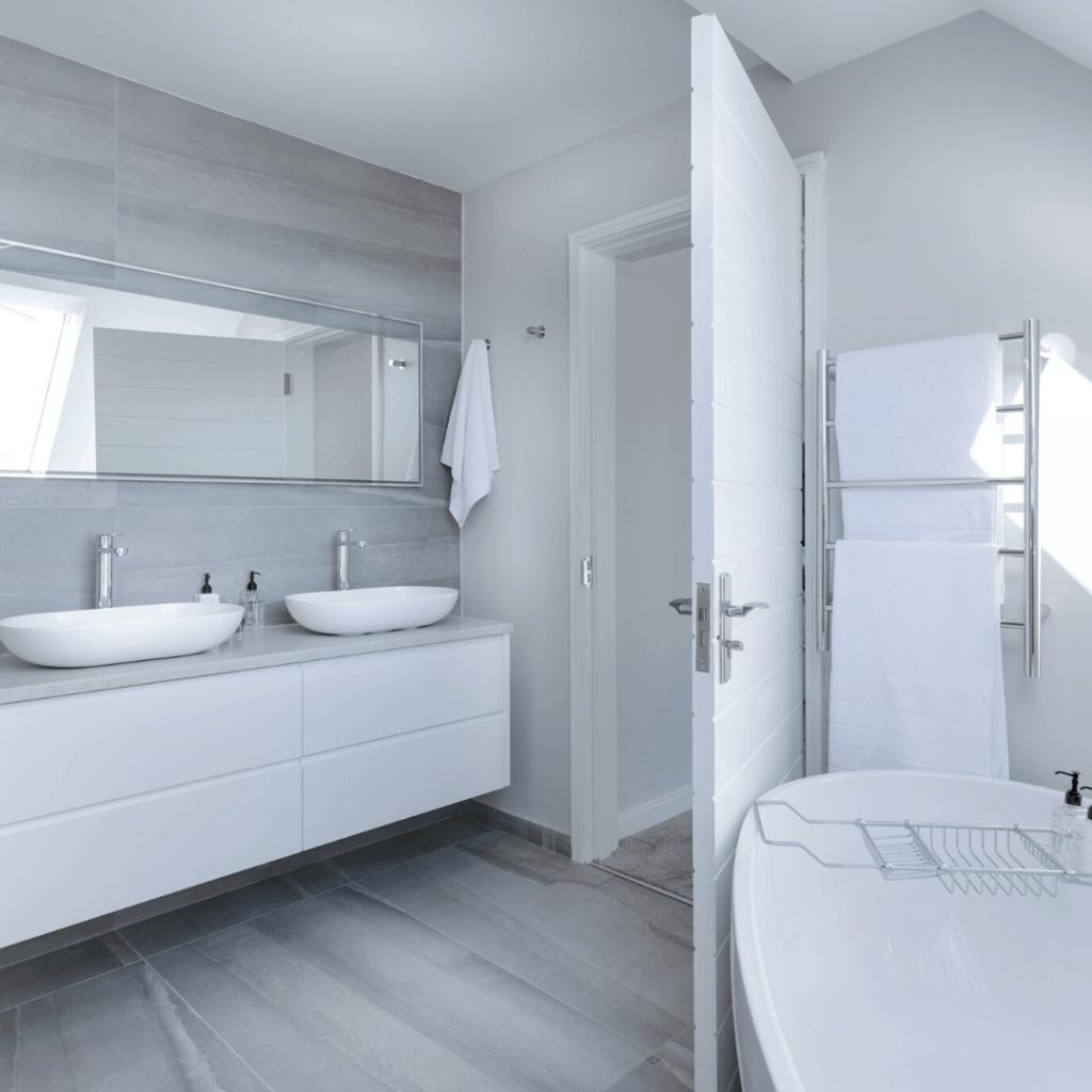 La salle de bain est devenue une pièce à vivre